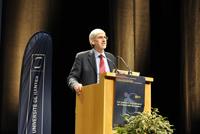 Vincent COURTILLOT lors de sa conférence sur les changements climatiques